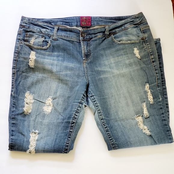 Torrid Skinny Destroyed Distressed High Jeans